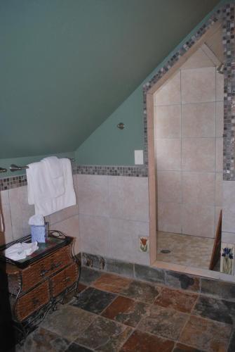 Rio Grande Bed And Breakfast - Glenwood Springs, CO 81601