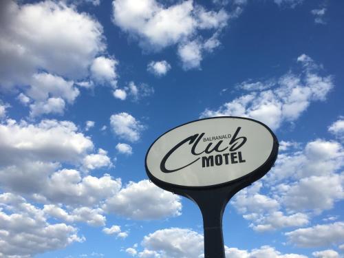 . Balranald Club Motel