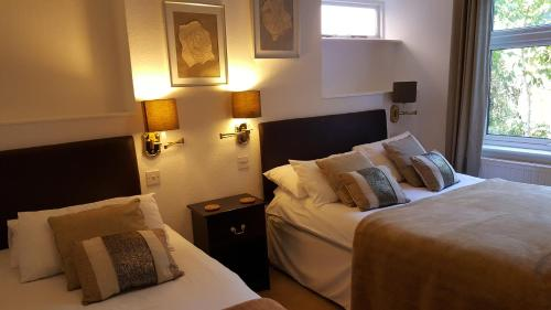 Colebrook Guest House (B&B) - Farnborough