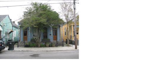 Oak Street Apartment