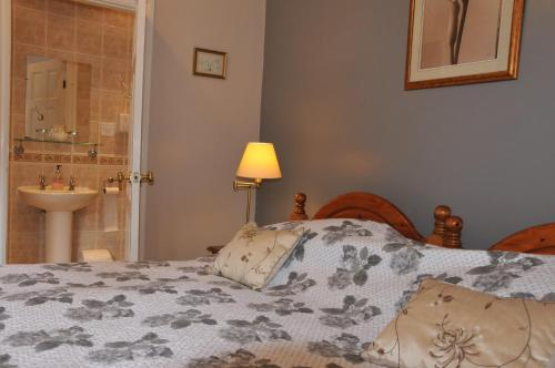 Dragon House Guest Accommodation - Photo 3 of 25