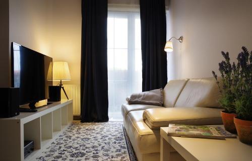 . Apartament White