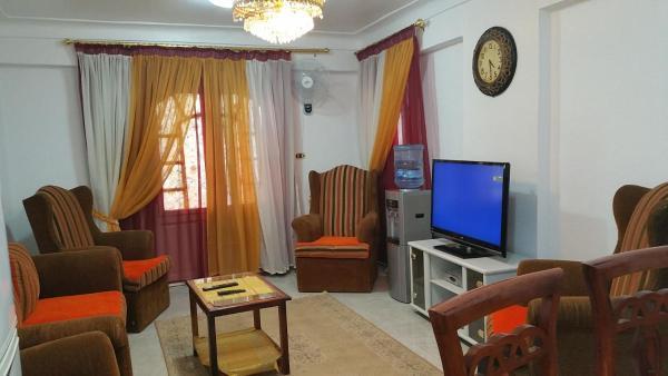 Violet Apartment_1