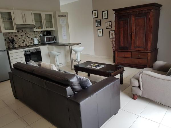 Rieks van der Walt Self-Catering Apartment_1