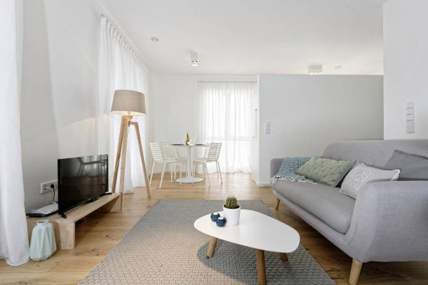 The White Design Apartements