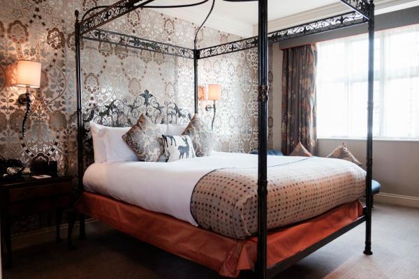 The White Hart Hotel London