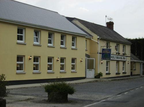 The Hollybrook Country Inn Carmarthen