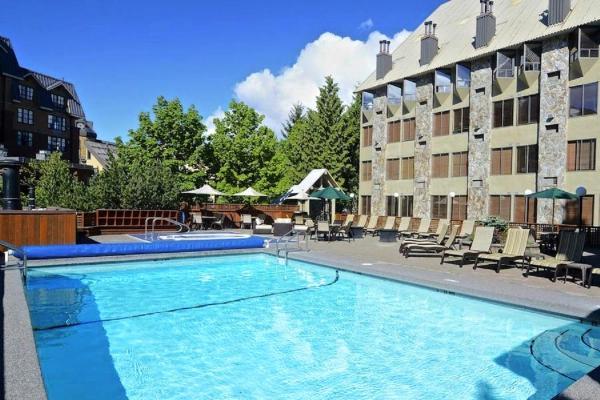 Executive Village Inn Whistler