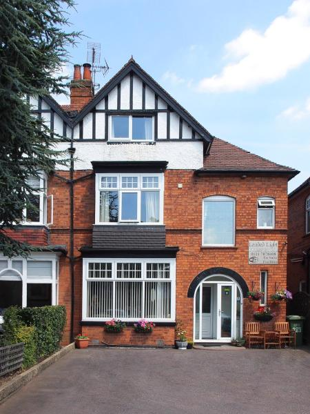 Leaded Light Guest House Solihull
