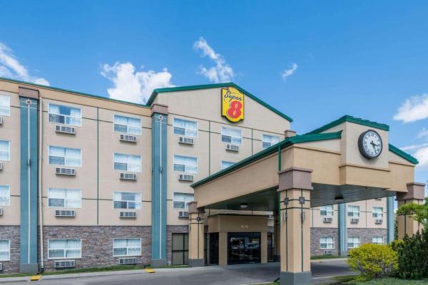 Super 8 Red Deer City Centre