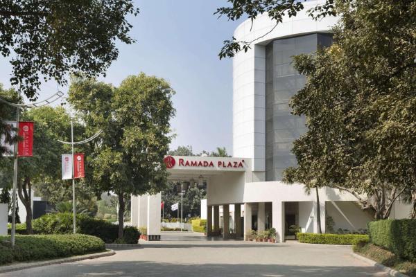 Ramada Plaza JHV Hotel Varanasi
