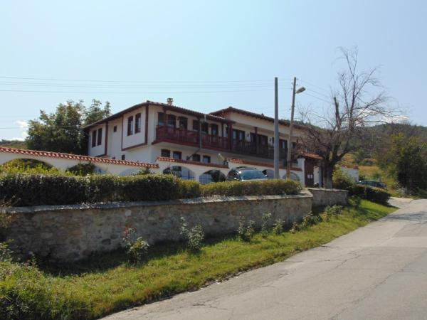 Dvata Brjasta Family Hotel_1
