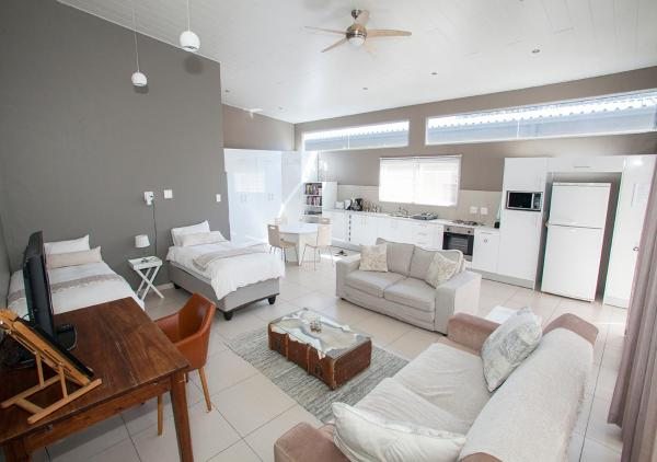 RnB's Studio Apartment
