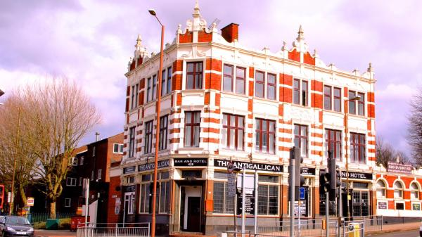 The Antigallican Hotel_1