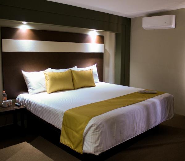 La Fuente Hotel & Suites