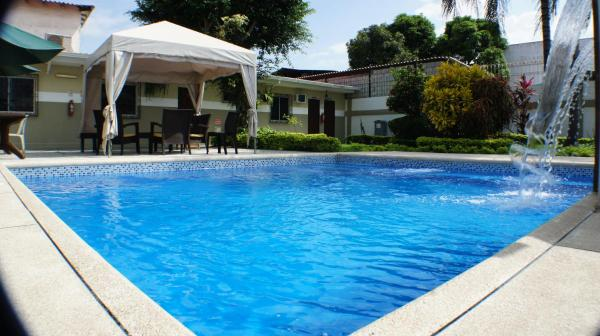 Urdesa Suites Hotel
