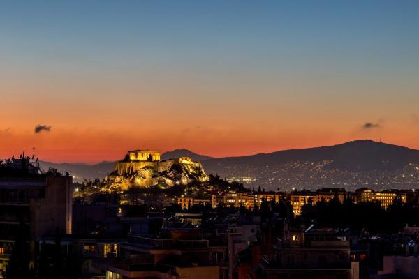 Top Floor Apartment Near Acropolis