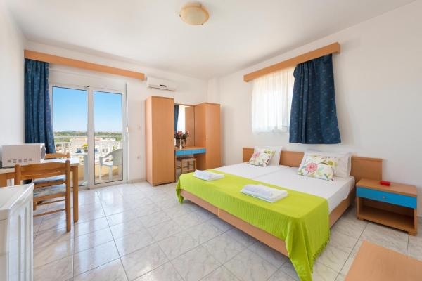 Yiannis Apartments