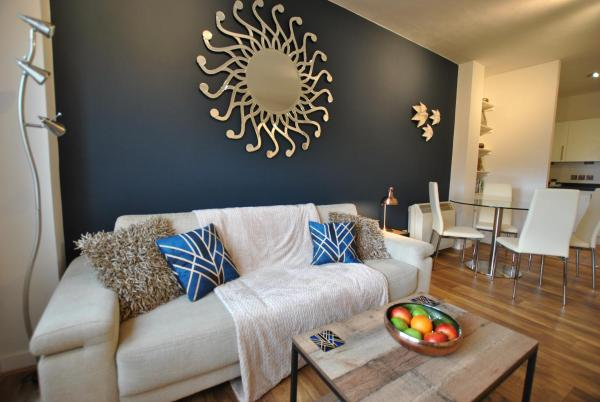 Accommodation Windsor Ltd - The Courtyard_1