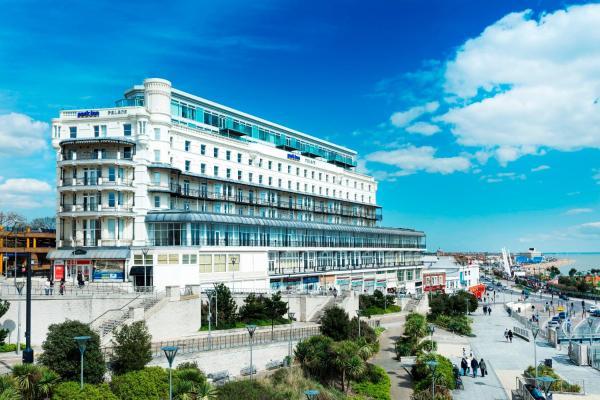 Park Inn by Radisson Palace