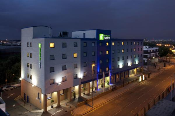 Holiday Inn Express Park Royal London