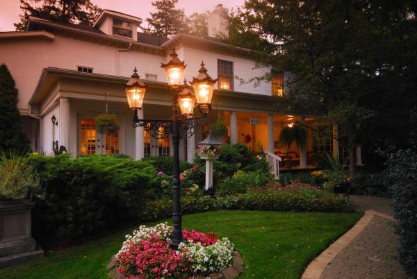 Brockamour Manor Niagara-on-the-Lake