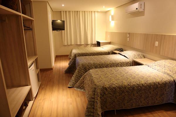 Golden Hotel_1