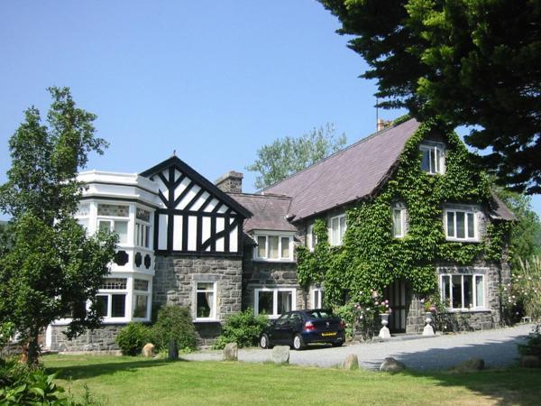 Gwern Borter Manor