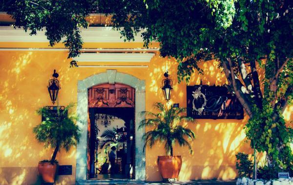 Los Pilares Hotel
