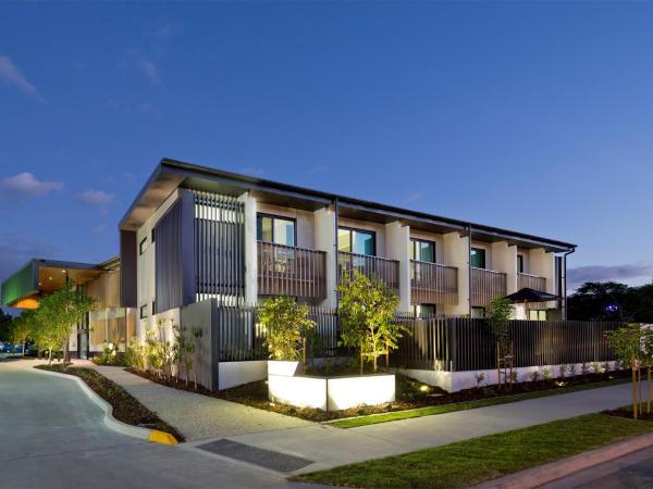 Glen Hotel and Suites
