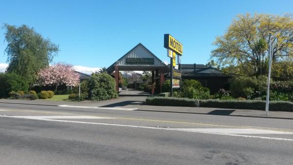 The Highwayman Motel