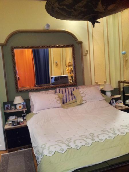 Charming Three-Bedroom Apartment at Abdelkhalek Sarwat Street_1