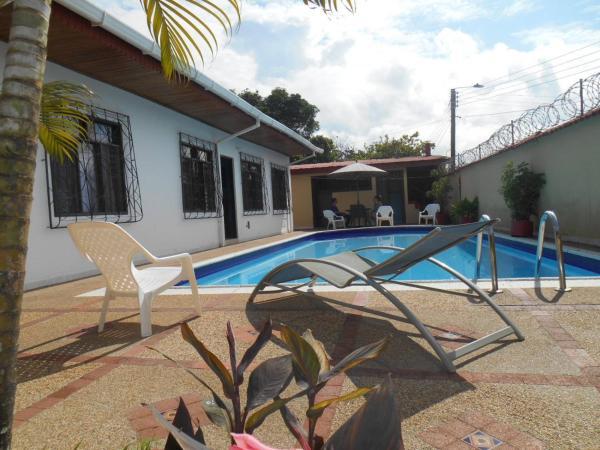 Leticias Guest House_1