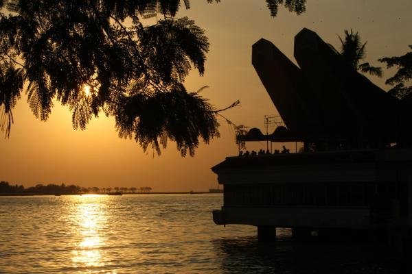Golden Hotel Makassar