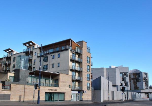 Dreamhouse Apartments Edinburgh Holyrood Park_1