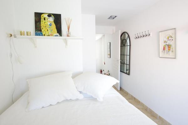 Rue Sade Bed & Breakfast