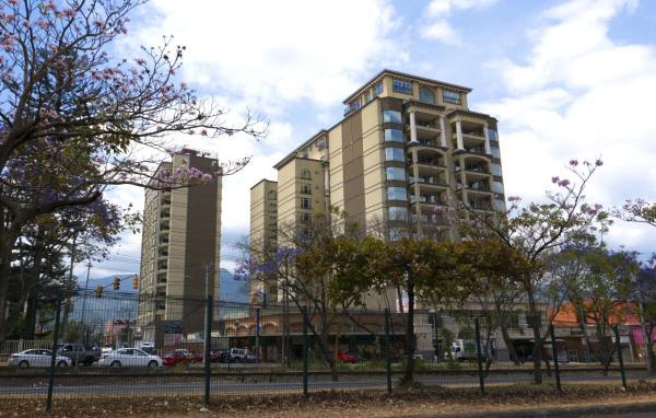 Torres del Lago Suites and Apartments