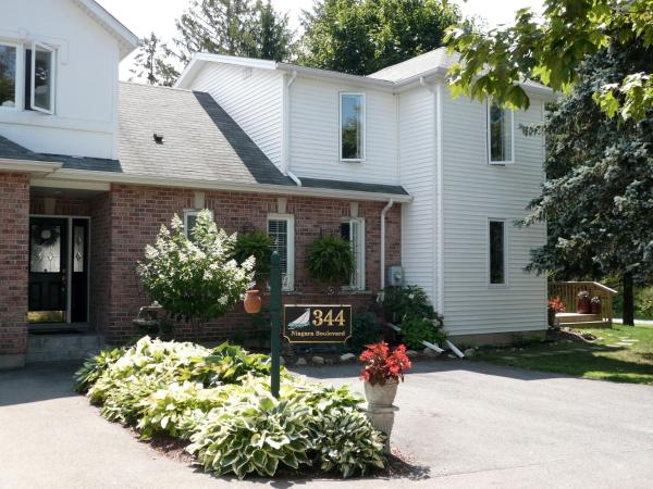 Brock Hollow Bed and Breakfast