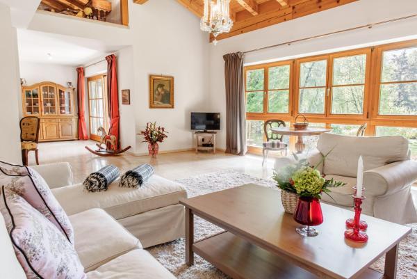 The Alpine Apartment