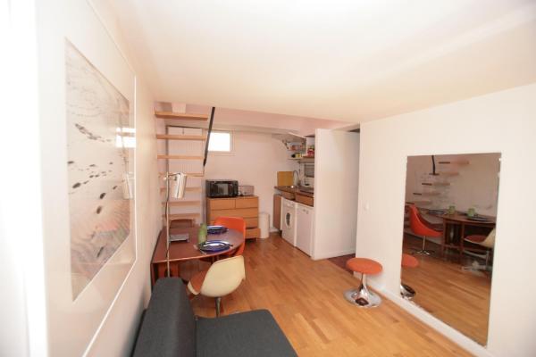 Marais Studio with Mezzanine (334)