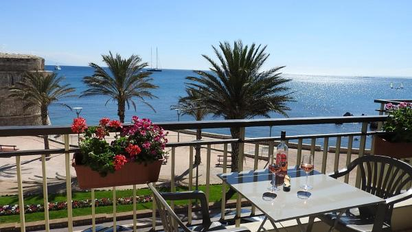 Apartment in Antibes_1