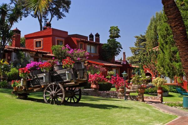 Villa San Jose Suites & Hotel Morelia