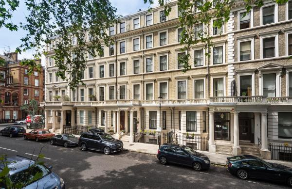 The Villa Kensington_1