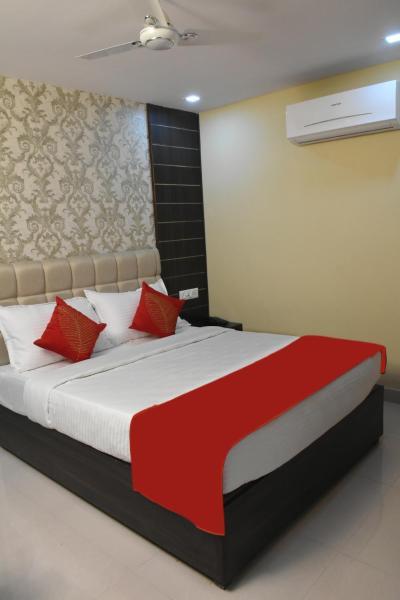 Hotel S L E Residency