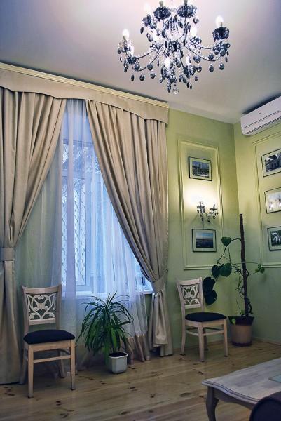 Classic Apartment on Zhukovskoho