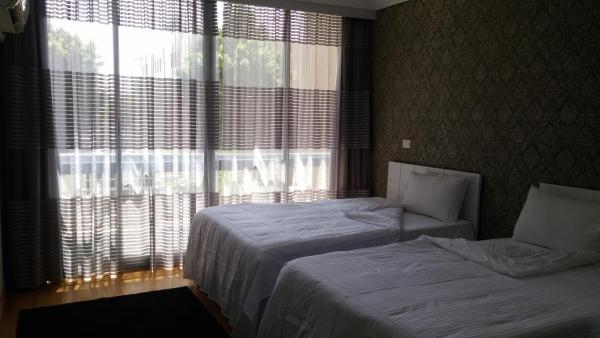 Khayatz Apartment