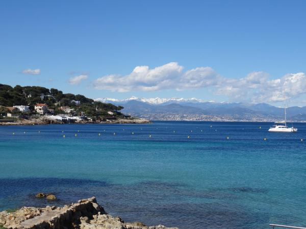 Waterfront Apartment Cap d'Antibes