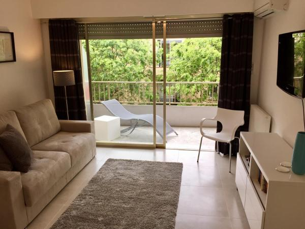Central Antibes apartment