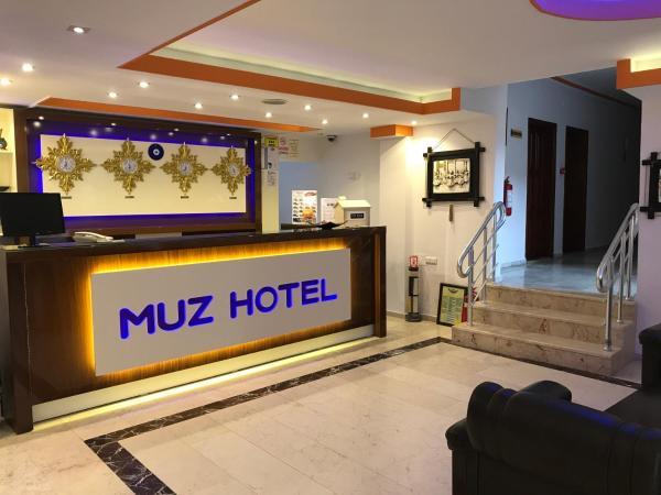 Muz Hotel