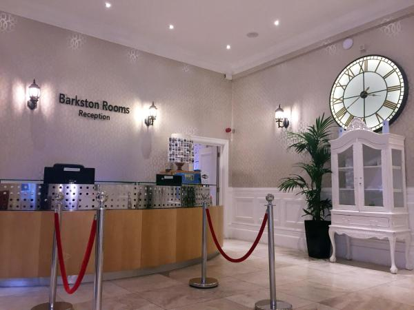 Barkston Rooms Earls Court_1